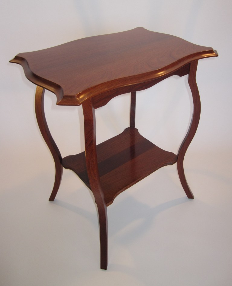 Thai rosewood with an indian rosewood insert in the bottom for Table th bottom